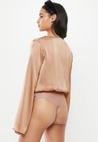 Missguided - Petite drape plunge bodysuit - champagne