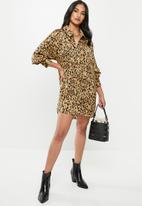 Missguided - Petite oversized leopard shirt dress - brown & black