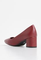 Butterfly Feet - Court heel - red