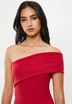 Missguided - Petite one shoulder midi dress - red