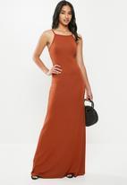 Missguided - Petite basic high neck maxi dress - rust