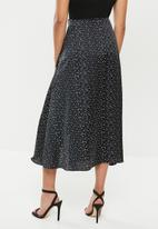 Missguided - Petite polka dot midi skirt - black