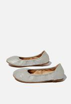 Cotton On - Primo ballet flats - matte silver shimmer