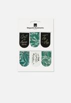 Typo - 6 Pack magnetic bookmark - green & black