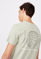 Factorie - Curved graphic t shirt - fern/state of mind