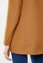 Vero Moda - Frida blazer - mustard