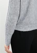 Vero Moda - Himalia batwing blouse - grey
