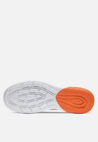 Nike - Air Max Axis - black-white-magma orange
