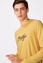 Factorie - Brooklyn scrawl curved long sleeve graphic T-shirt - yellow