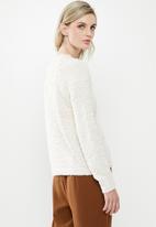 Vero Moda - Agnes o-neck blouse - cream