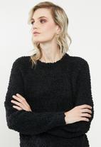Vero Moda - Agnes o-neck blouse - black