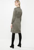 Vero Moda - Tessa shirt dress - khaki & black