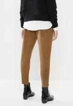 Vero Moda - Eva loose soft cord pants - brown