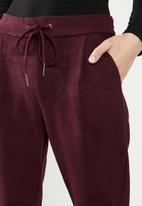 Vero Moda - Eva loose soft cord pants - burgundy