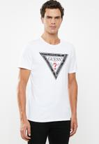 GUESS - Guess tape triangle tee - white
