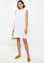 edit - Sleeveless cotton voile tunic - white