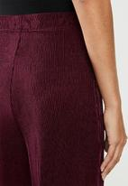 edit - Plisse trousers - burgundy