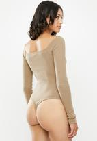 Missguided - Square neck rib long sleeve bodysuit - taupe