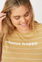 Cotton On - Curve graphic fitted tee choose happy - beige & white