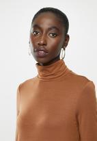 Vero Moda - Gava roll neck dress - brown