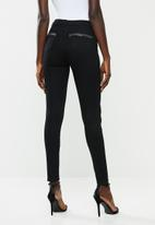 Sissy Boy - Axel mid waist skinny with pocket bling - black