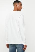 Tommy Hilfiger - Tjm sleeve logo long sleeve tee - white