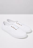 Cotton On - Juno plimsoll - white broderie