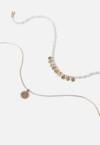 Rubi - Bohemian dream trinkets necklace  - gold & white