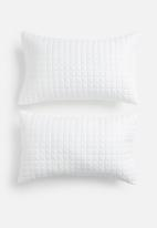 Sixth Floor - Cotton quilted pillowcase set - white