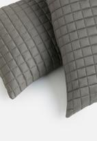 Sixth Floor - Cotton quilted pillowcase set - grey