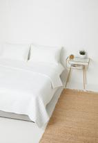 Sixth Floor - Cotton quilt - white