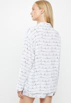 Superbalist - Sleep shirt & shorts set - white & black