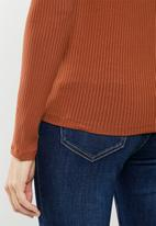 MANGO - Vicki T-shirt - rust