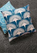 Grey Gardens - Swans cushion cover - blue