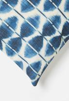 Grey Gardens - Infinity cushion cover - indigo