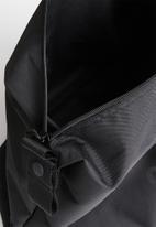 Converse - Sneaker duffel - black
