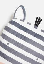 H&S - Zebra face cushion