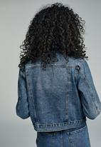 Cotton On - Girlfriend denim jacket - blue