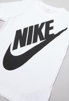 Nike - Nike boys jumbo futura tee - white