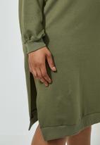 Superbalist - Drop shoulder crewneck sweat dress - khaki