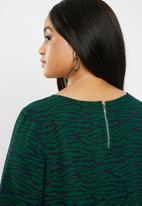 Carmakoma - Luxeve 3/4 short sleeve dress - green & black