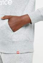 New Balance  - Essential stacked logo hoodie - grey