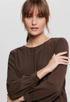Jacqueline de Yong - Oliver long sleeve top - chicory coffee