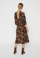 Vero Moda - Prosecca 3/4 calf dress - brown & black