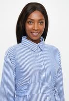 Superbalist - Belted shirt dress - white & blue