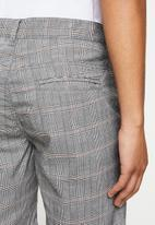 Cotton On - Washed chino short - grey