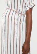 Glamorous - Maternity side split shirt dress - white