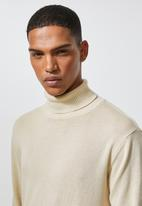 Superbalist - Premium slim fit roll neck knit - beige