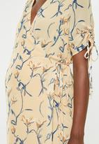 Glamorous - Maternity wrap dress - ochre