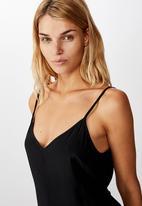 Cotton On - Woven Vicky V-neck jumpsuit - black
